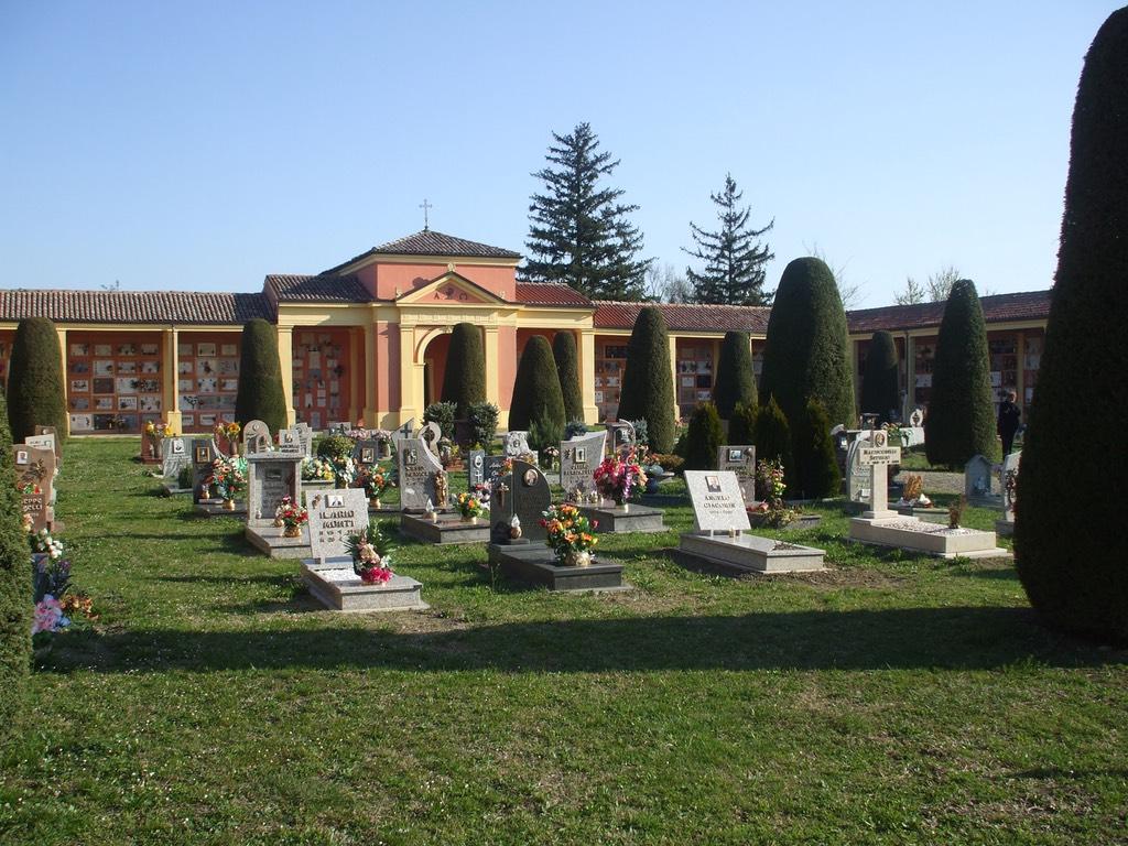 san_martino_in_argine-cimitero-1024px